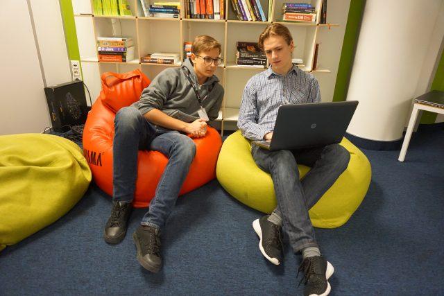 programavimo praktikos mokiniai